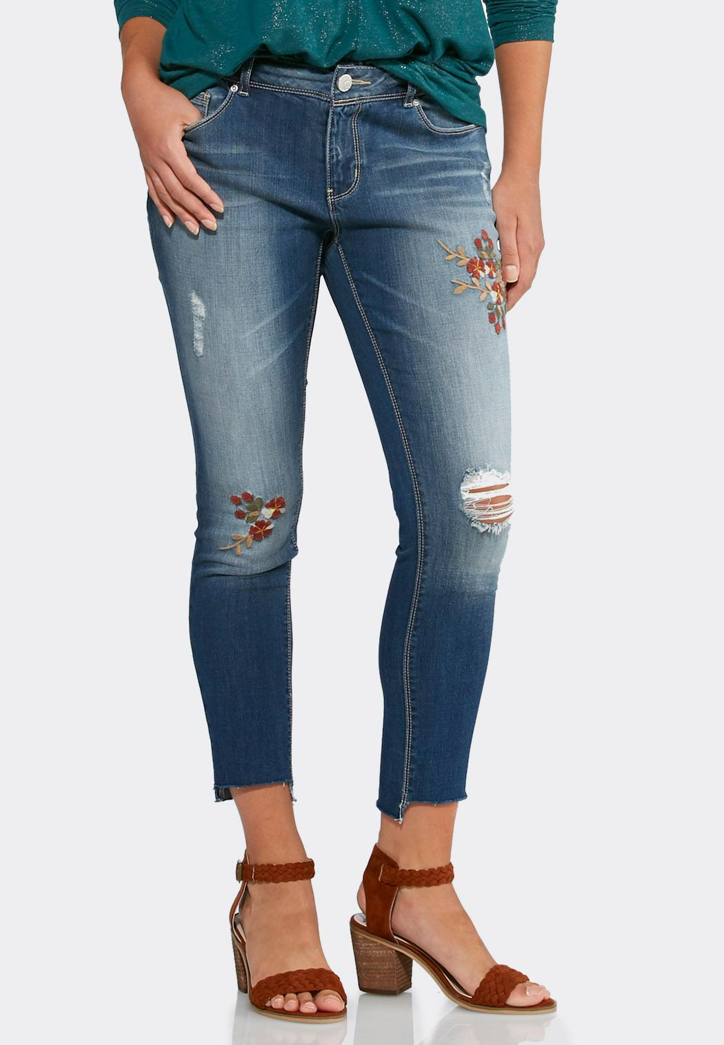 Ankle pants are more of a modern, comfortable look, no matter the size of the lady whether slim or petite. For shaping for more curvy or plus size ladies, these pants will make every women feel like a fashionista and more confident about their body.