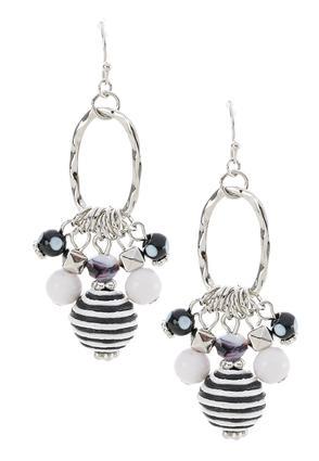 Oval Hoop Cluster Earrings | Tuggl