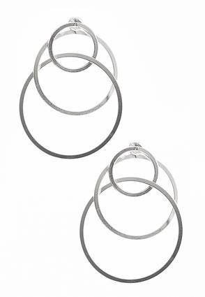 Linked Circle Earrings | Tuggl