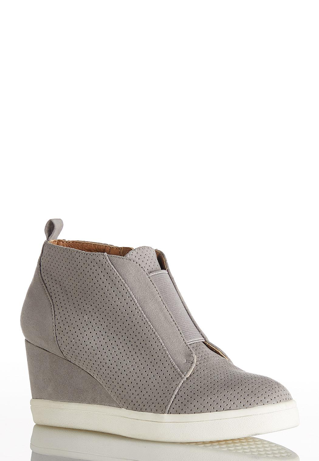 d55e135551e26 Perforated Wedge Sneakers