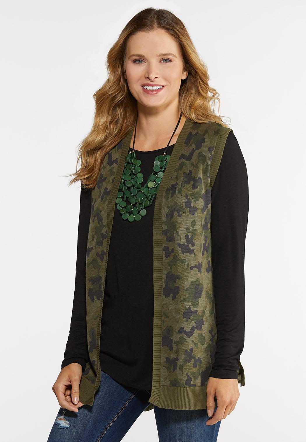 Plus Size Camo Knit Vest