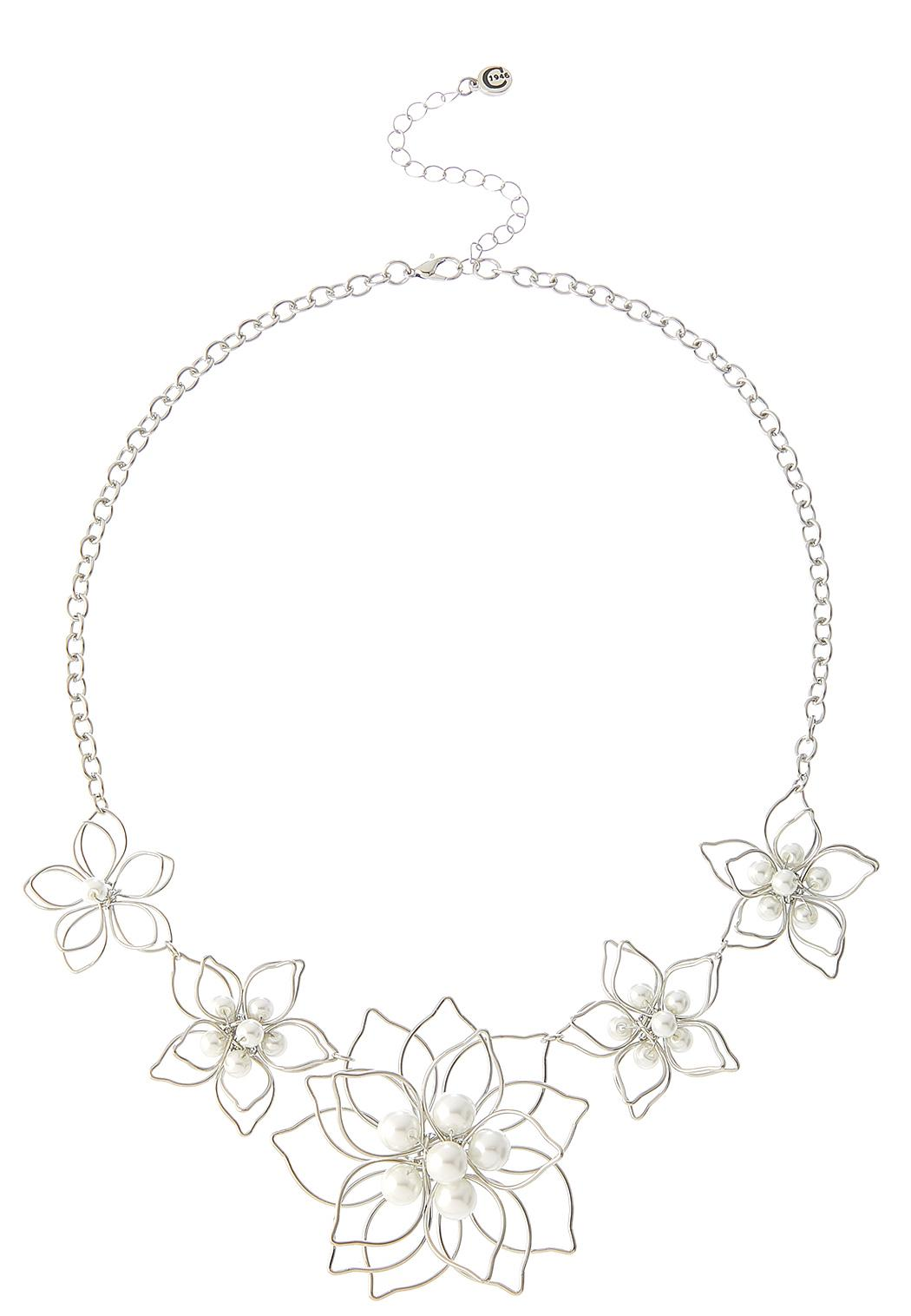 3D Pearl Flower Necklace