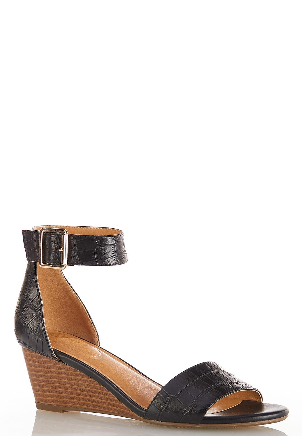 Wide Width Velcro Strap Croc Sandals