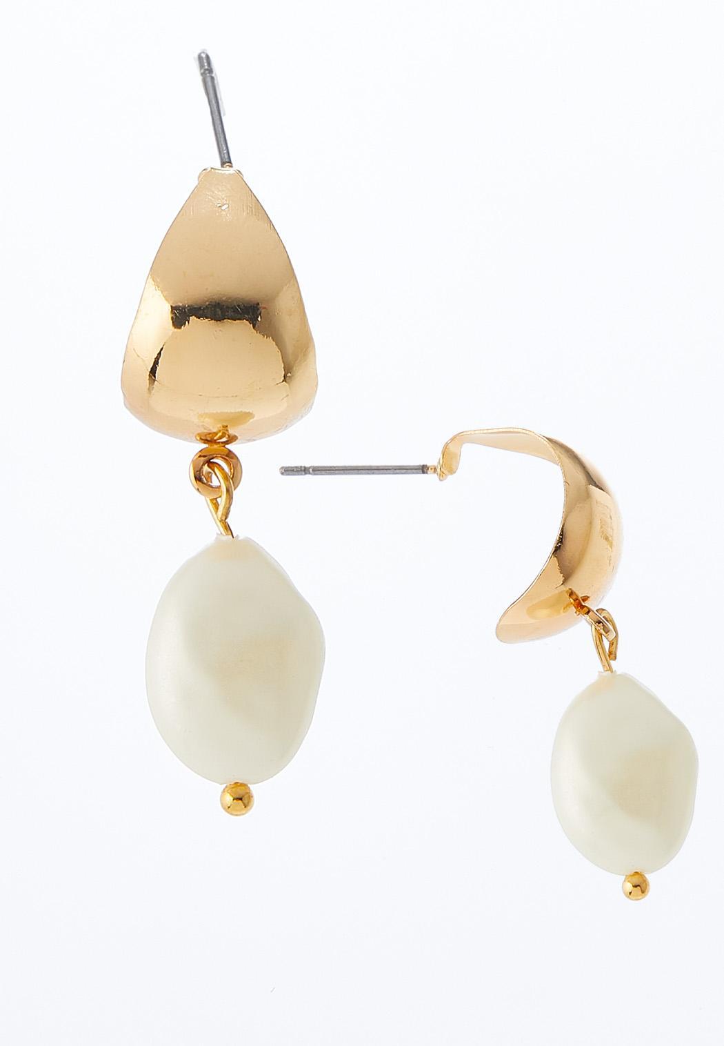 Pearl Gold Metal Dangle Earrings