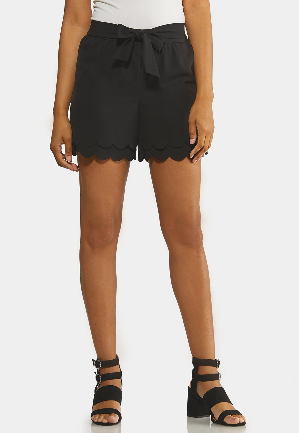 Scalloped Tie Front Shorts