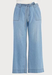 Plus Size Belted Light Wash Jeans
