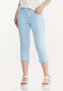 Curvy Frayed Cropped Jeans