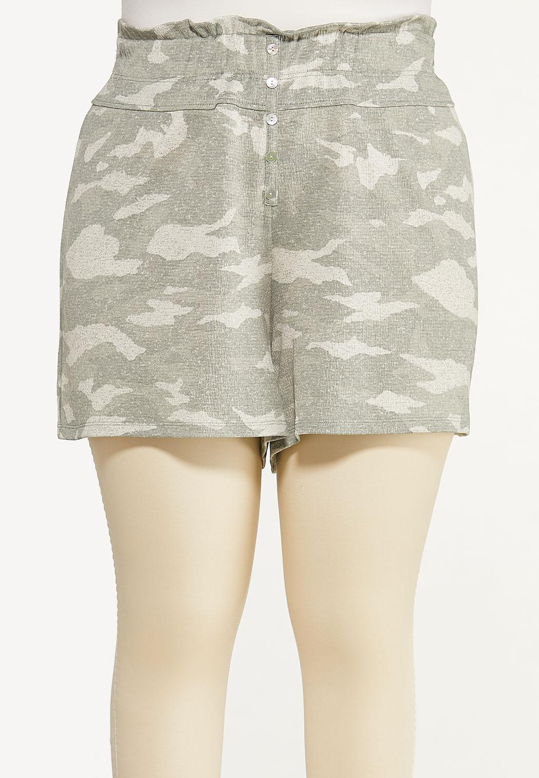 Plus Size Textured Camo Shorts