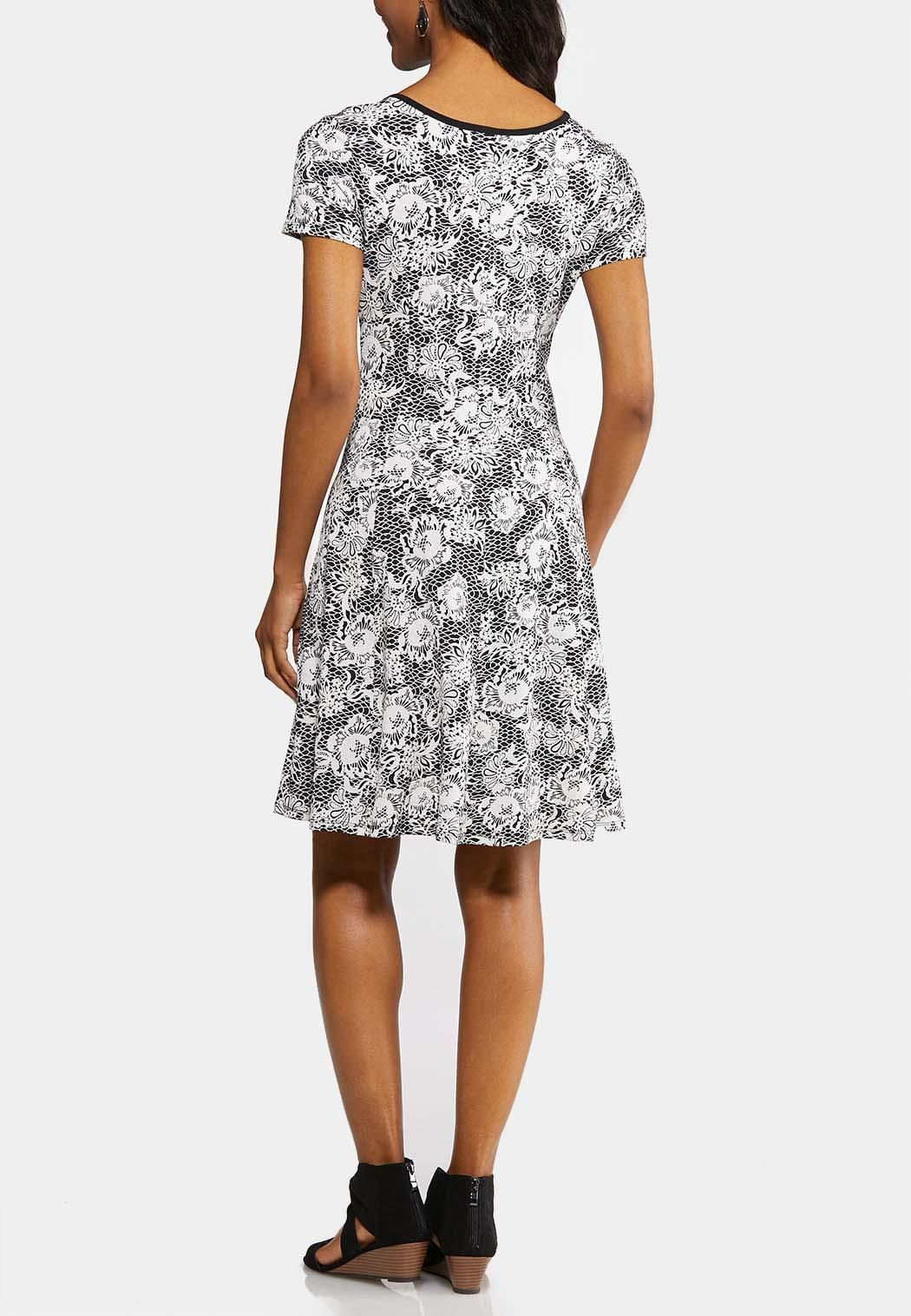 Plus Size Piped Puff Floral Dress (Item #43861824)