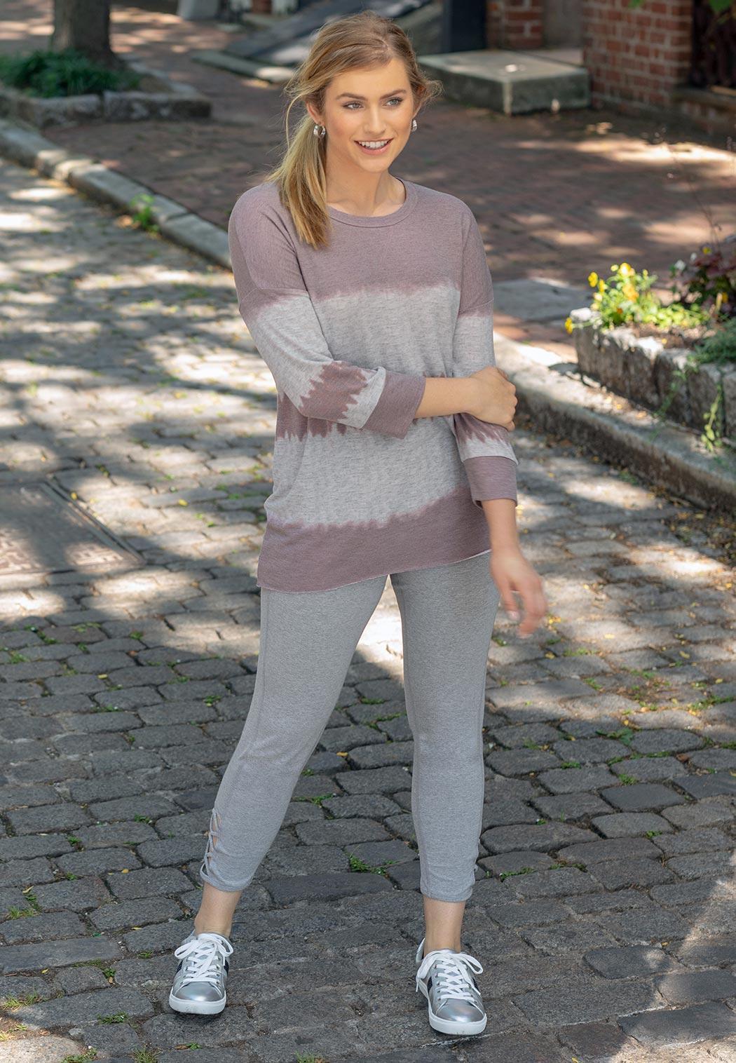 Plus Size Gray Lattice Hem Leggings (Item #43937624)