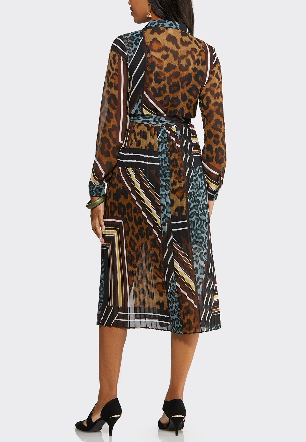Plus Size Pleated Mixed Print Midi Dress (Item #44019018)