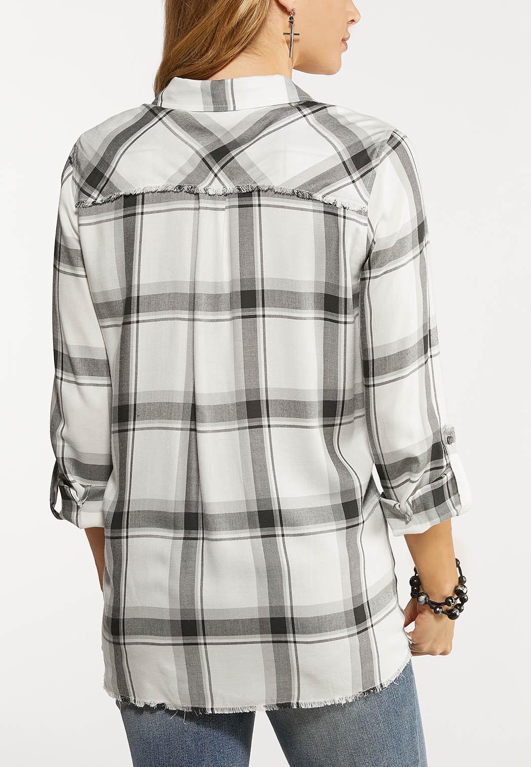 Plus Size Plaid Raw Edge Shirt (Item #44047122)