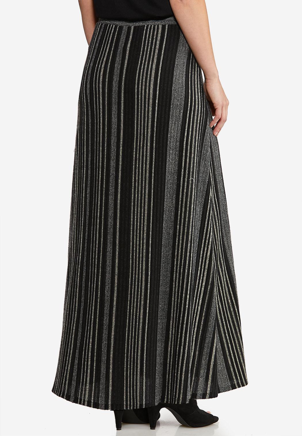 Plus Size Ribbed Knit Maxi Skirt (Item #44114776)