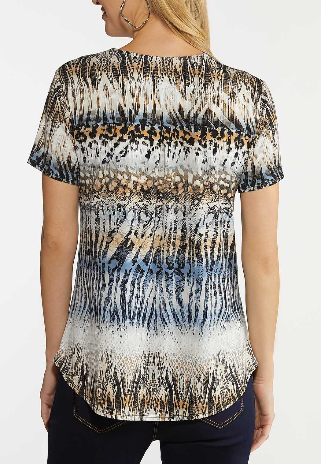 Plus Size Abstract Button Front Top (Item #44124137)
