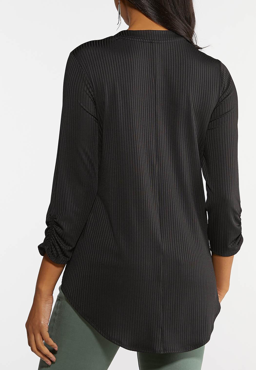 Plus Size Textured V-Neck Top (Item #44124188)