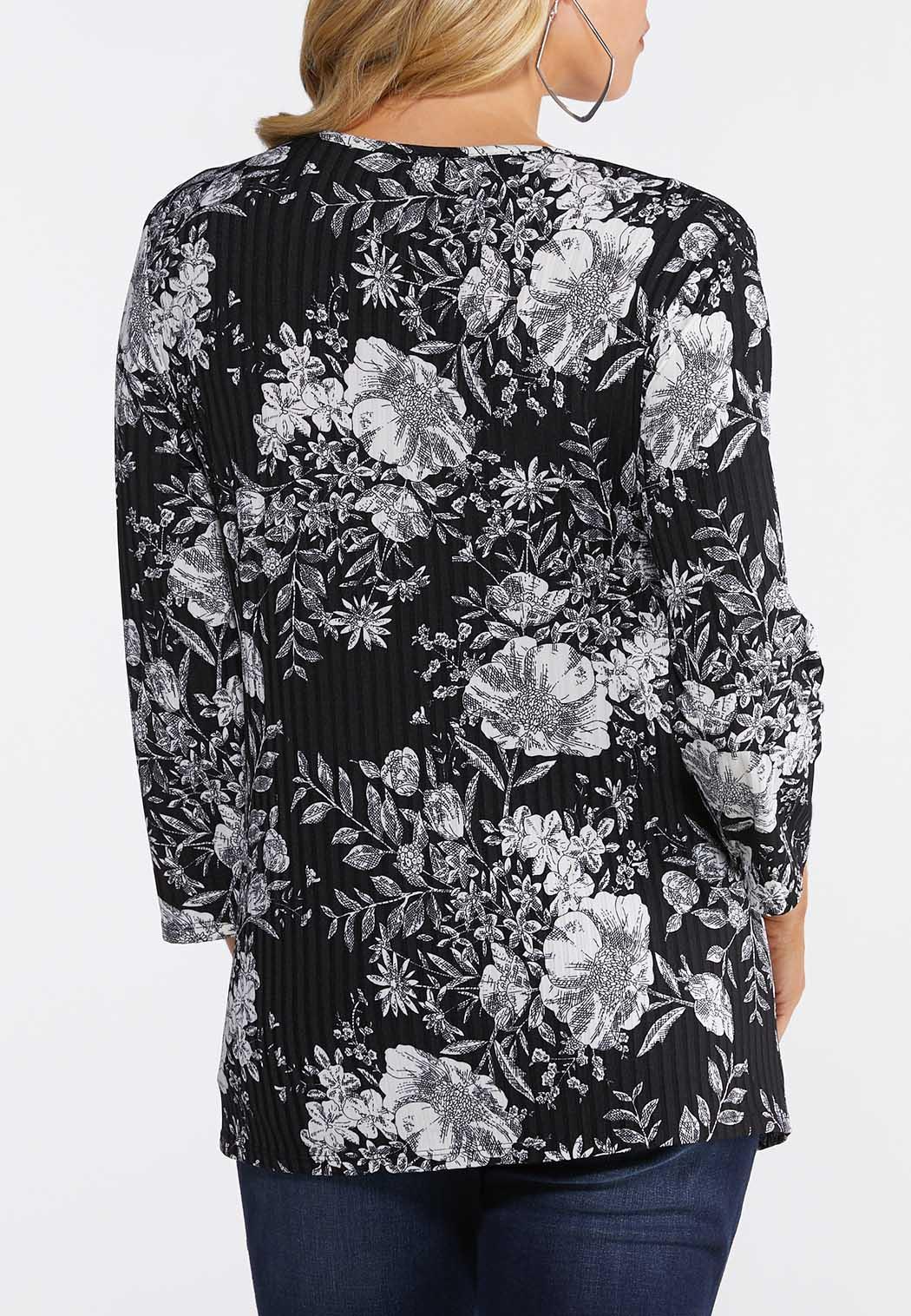 Plus Size Ribbed Floral Print Top (Item #44125549)