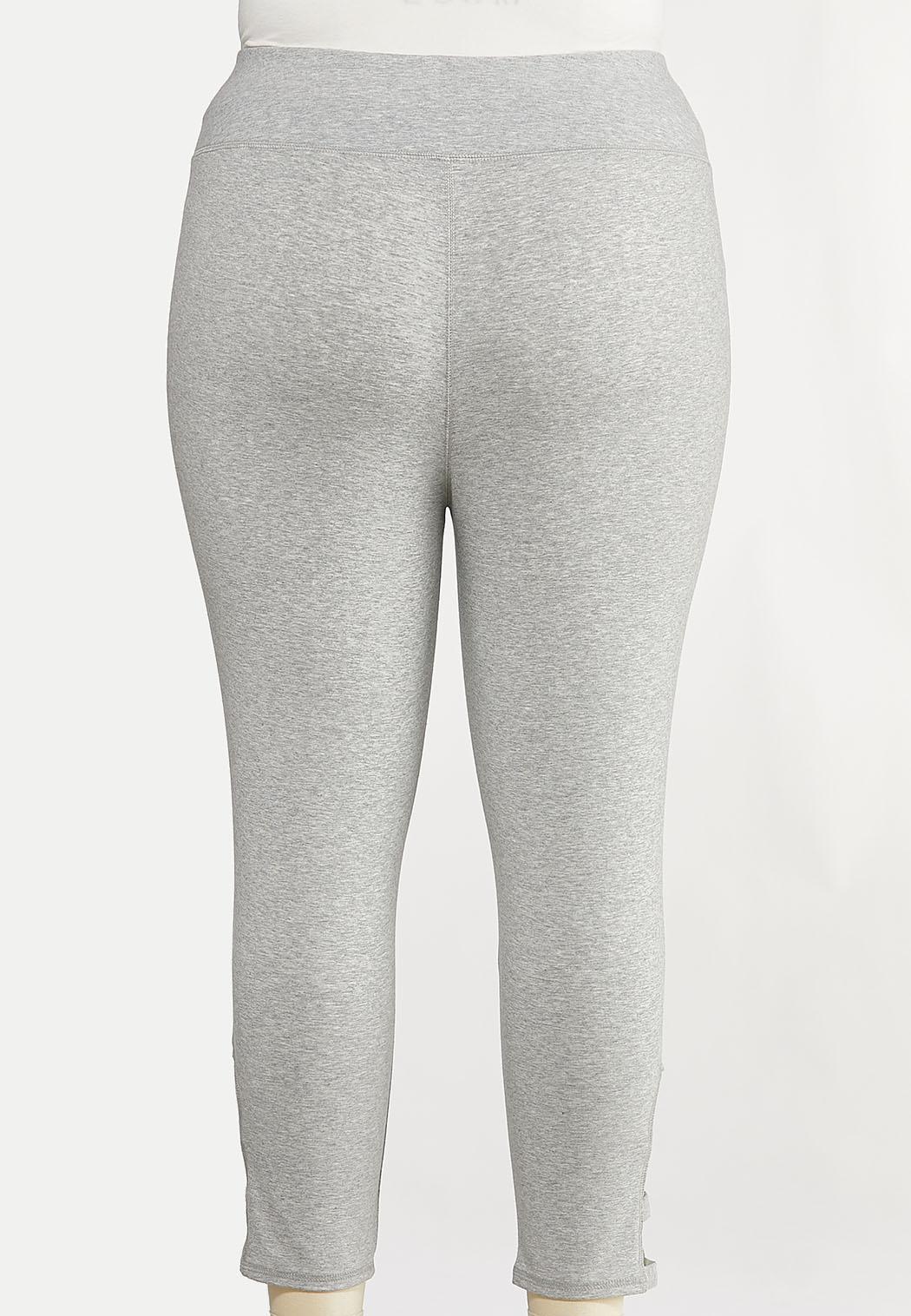 Plus Size Lattice Hem Crop Leggings (Item #44140221)