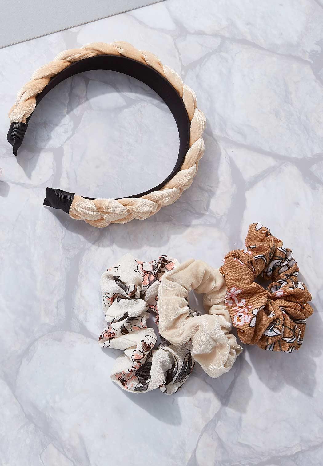 Mixed Floral Scrunchie Set (Item #44160721)