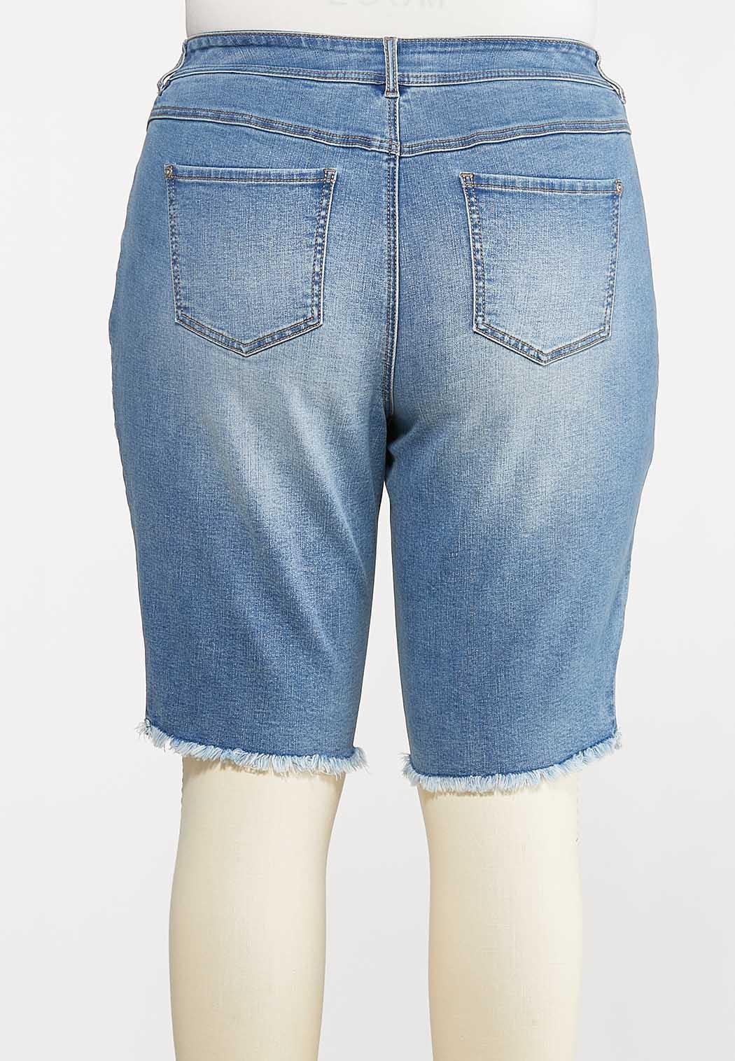 Plus Size Frayed Denim Shorts (Item #44166159)