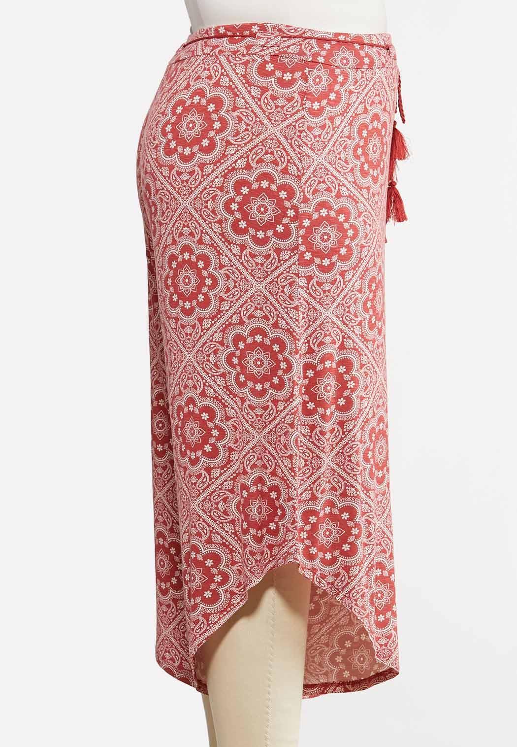 Plus Size Cropped Tassel Tie Pants (Item #44169363)
