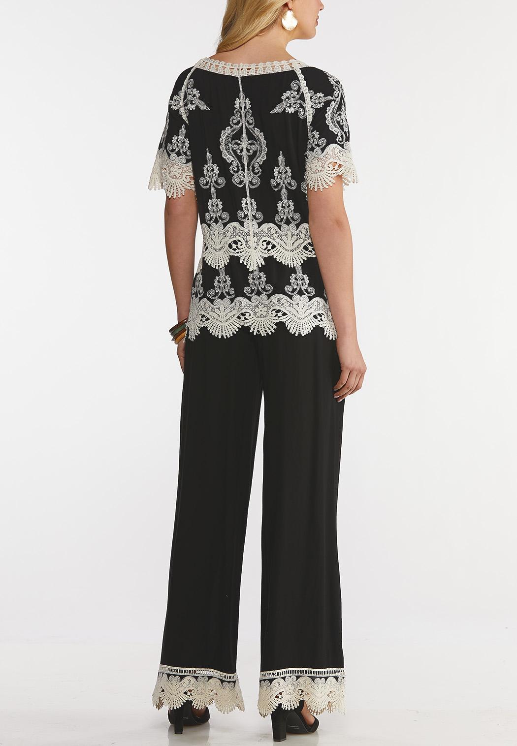Plus Size Crochet Lace Coordinating Set (Item #44171081)