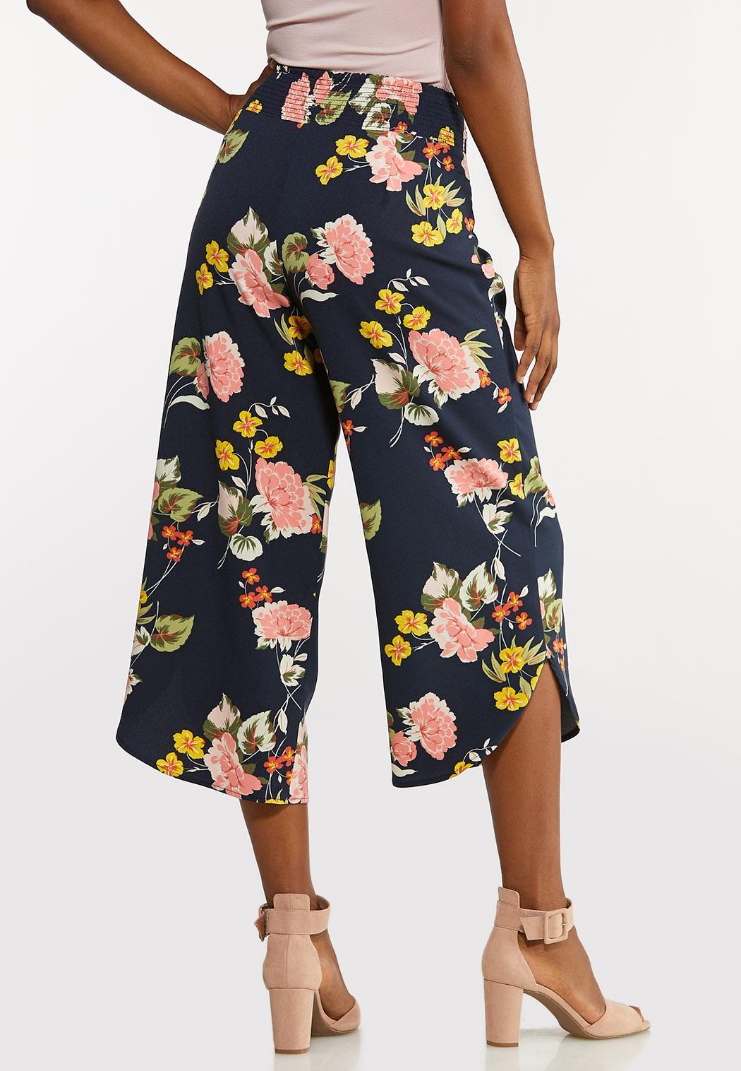 Cropped Floral Pants (Item #44175118)