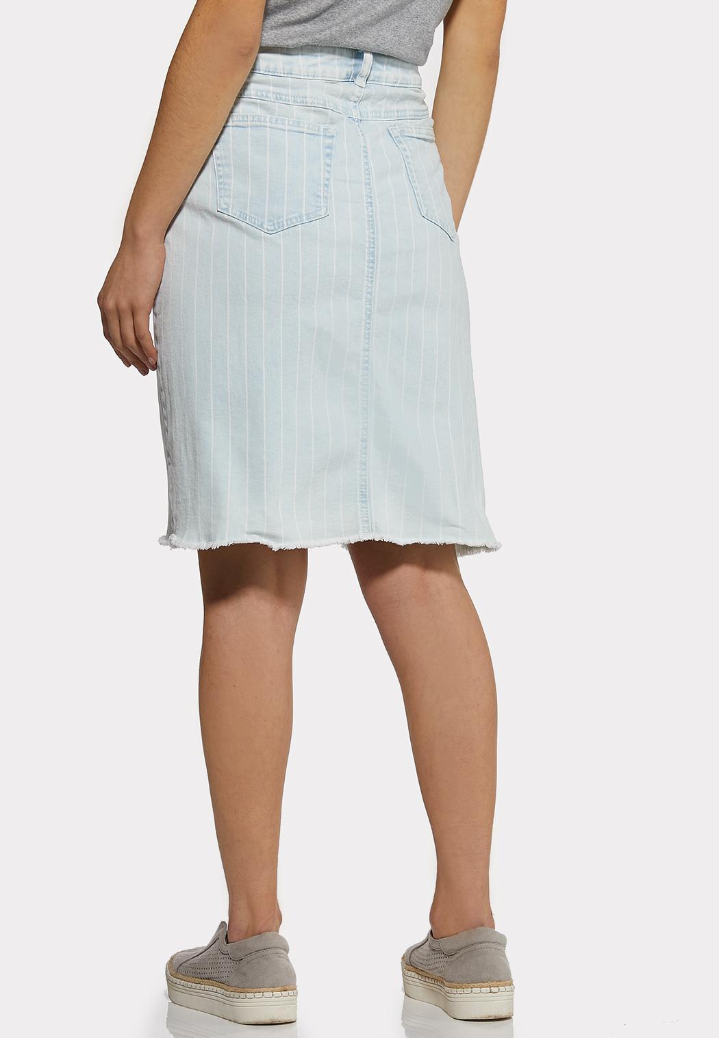 Plus Size Striped Light Wash Denim Skirt (Item #44203960)