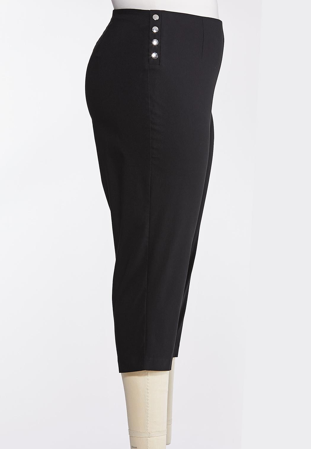 Plus Size Metal Snap Cropped Pants (Item #44269836)