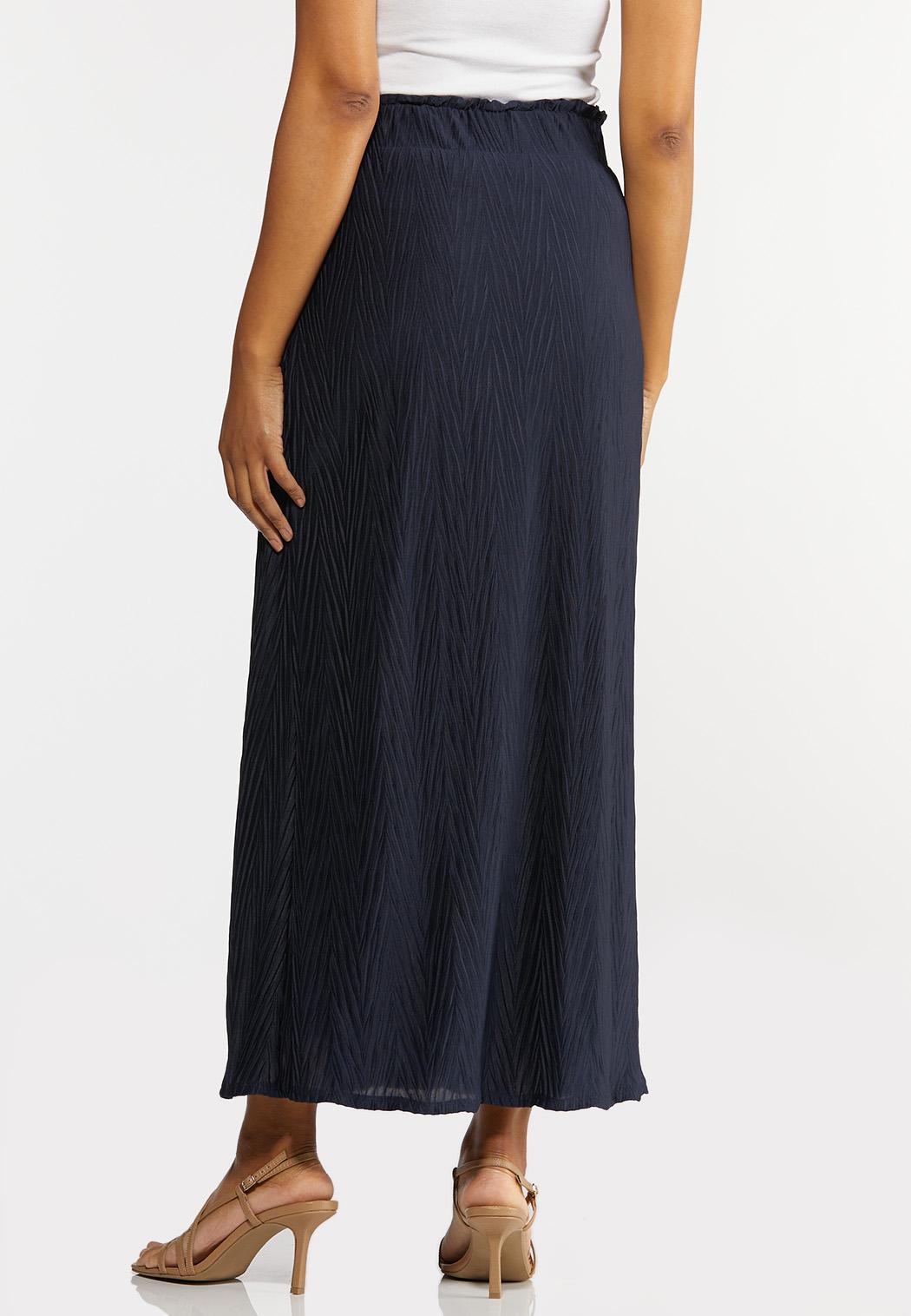 Plus Size Pleated Maxi Skirt (Item #44289046)