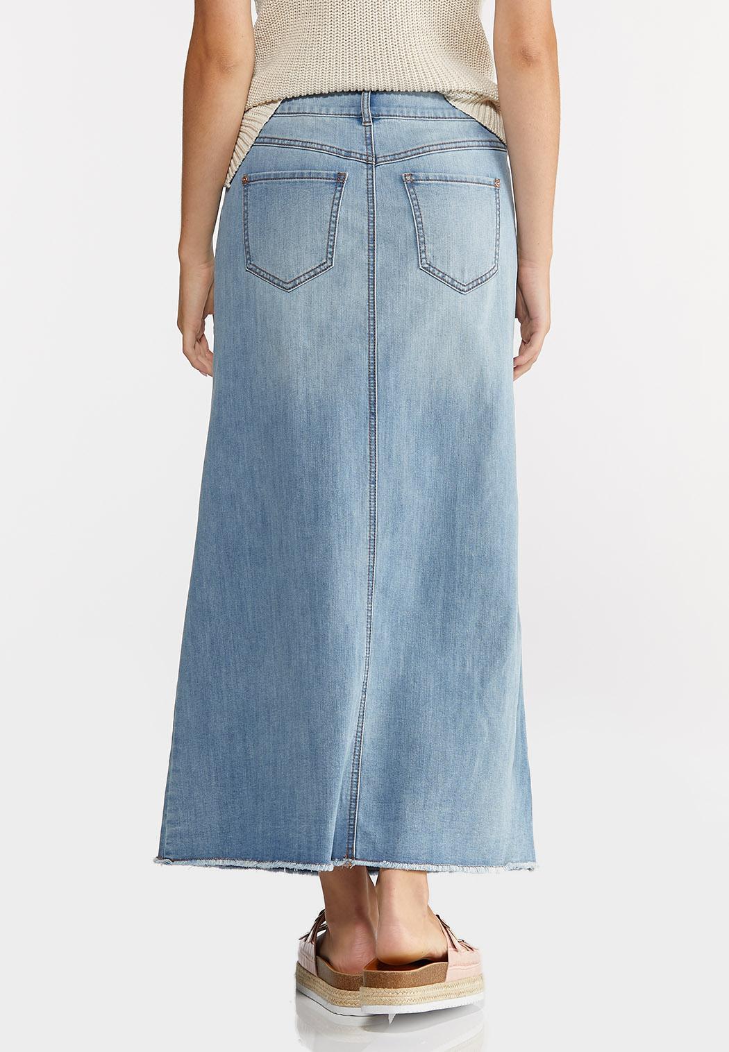 Plus Size Denim Raw Hem Maxi Skirt (Item #44297994)