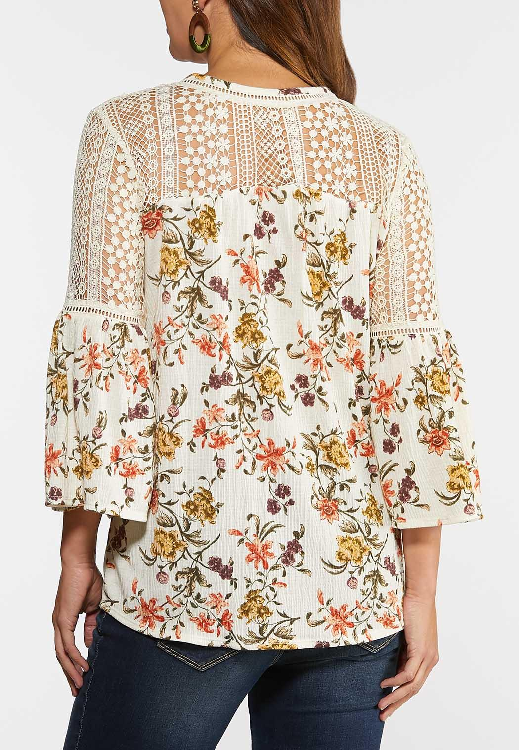 Plus Size Garden Floral Crochet Top (Item #44328152)