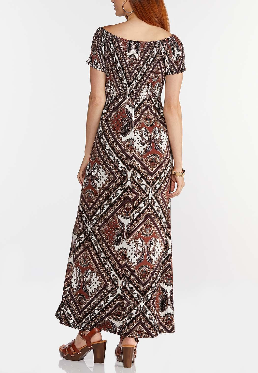 Printed Off Shoulder Maxi Dress (Item #44336240)