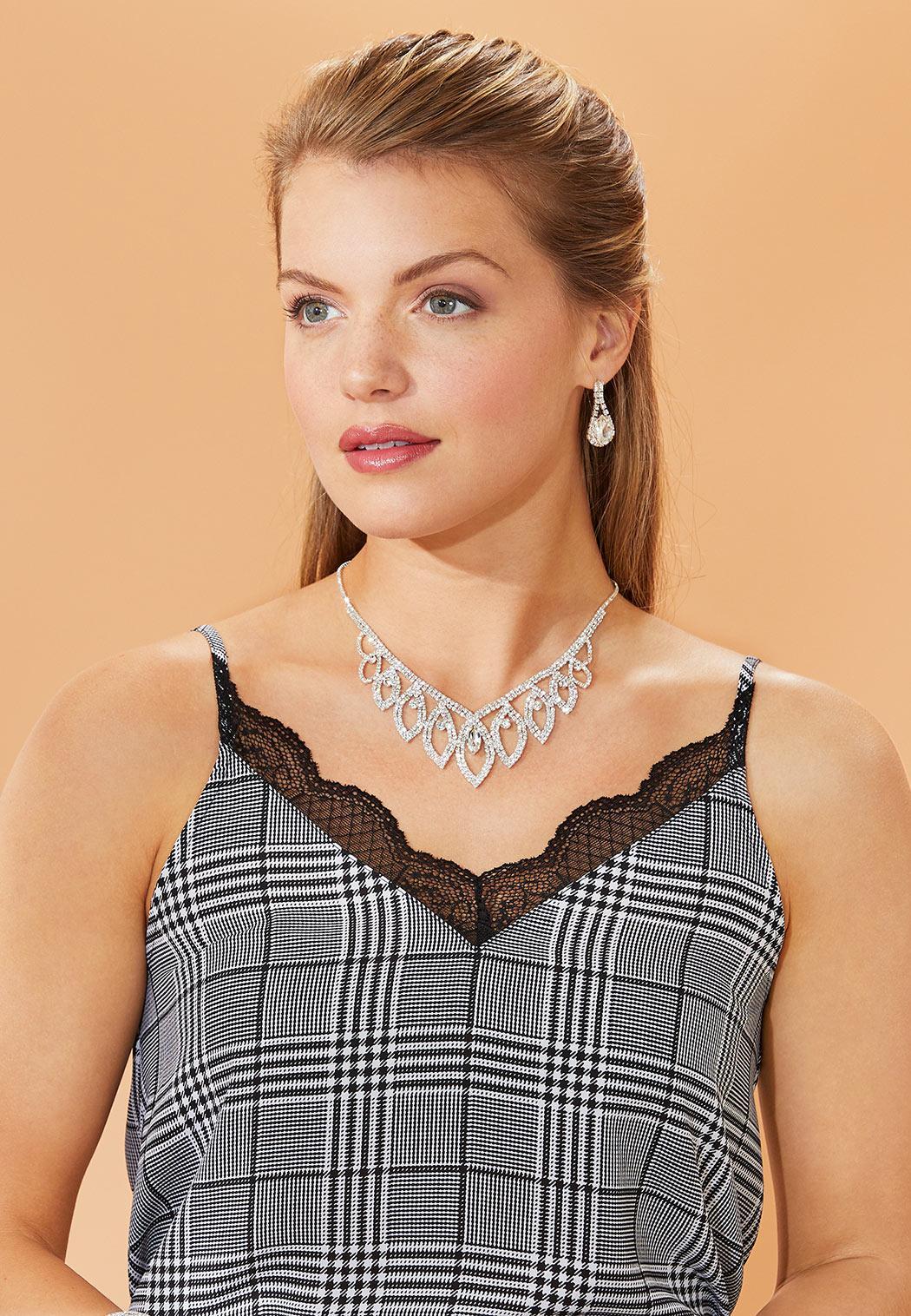 Rhinestone Fashion Necklace (Item #44342956)
