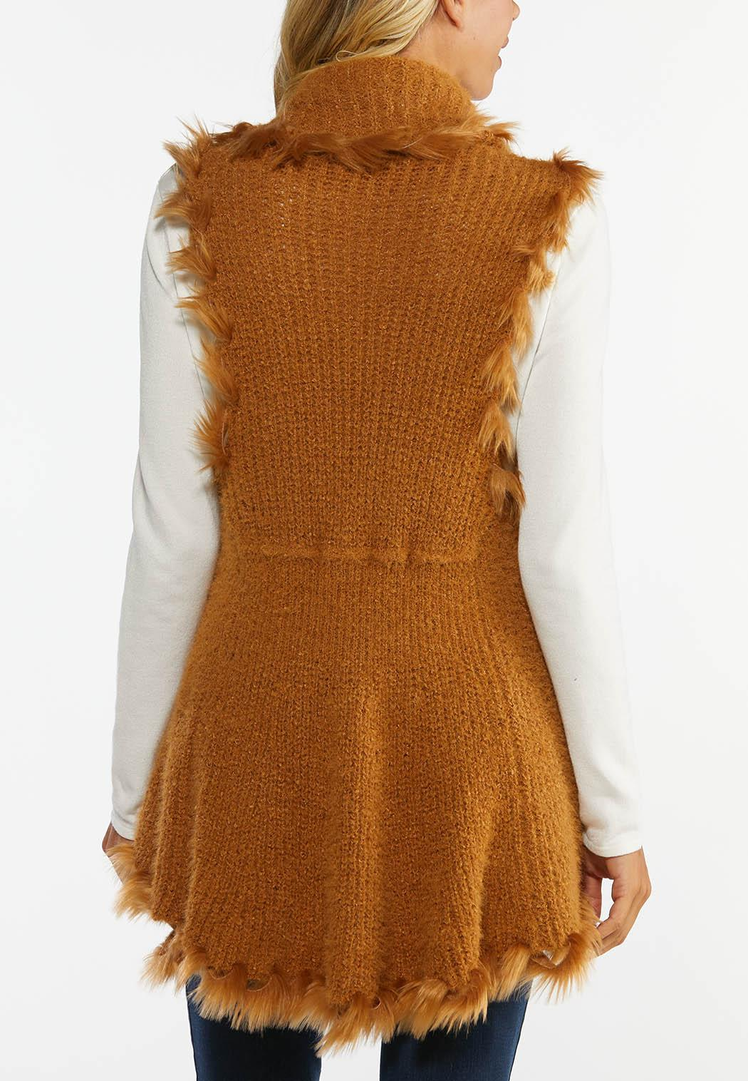 Plus Size Wispy Faux Fur Vest (Item #44407726)
