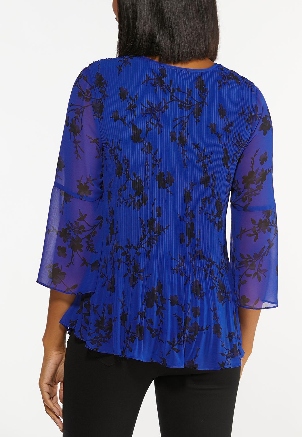 Plus Size Blue Pleated Floral Top (Item #44455158)