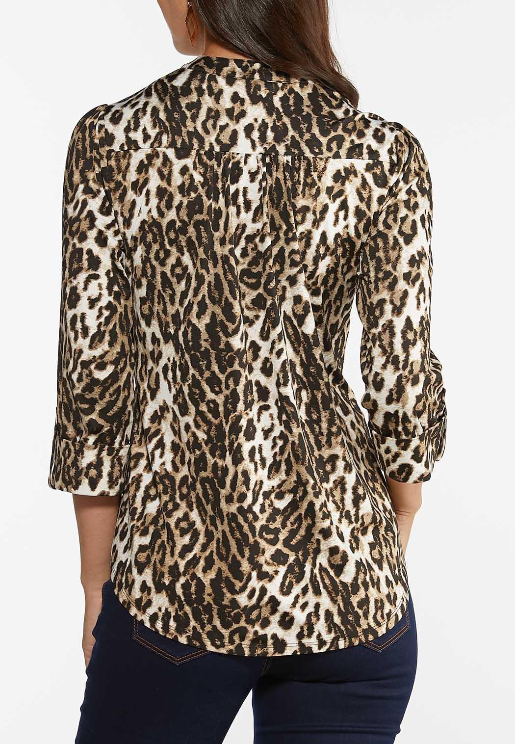 Plus Size Leopard Pullover Top (Item #44472311)