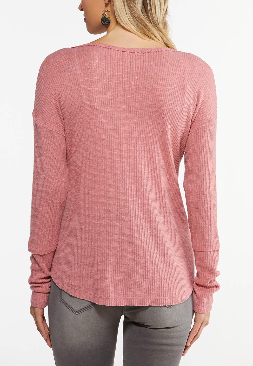 Plus Size Rose Grommet V-Neck  Top (Item #44482096)