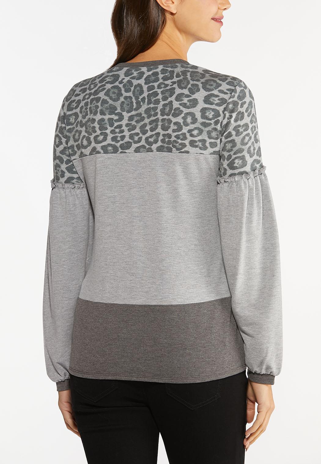 Plus Size Colorblock Animal Tie Front Top (Item #44490456)