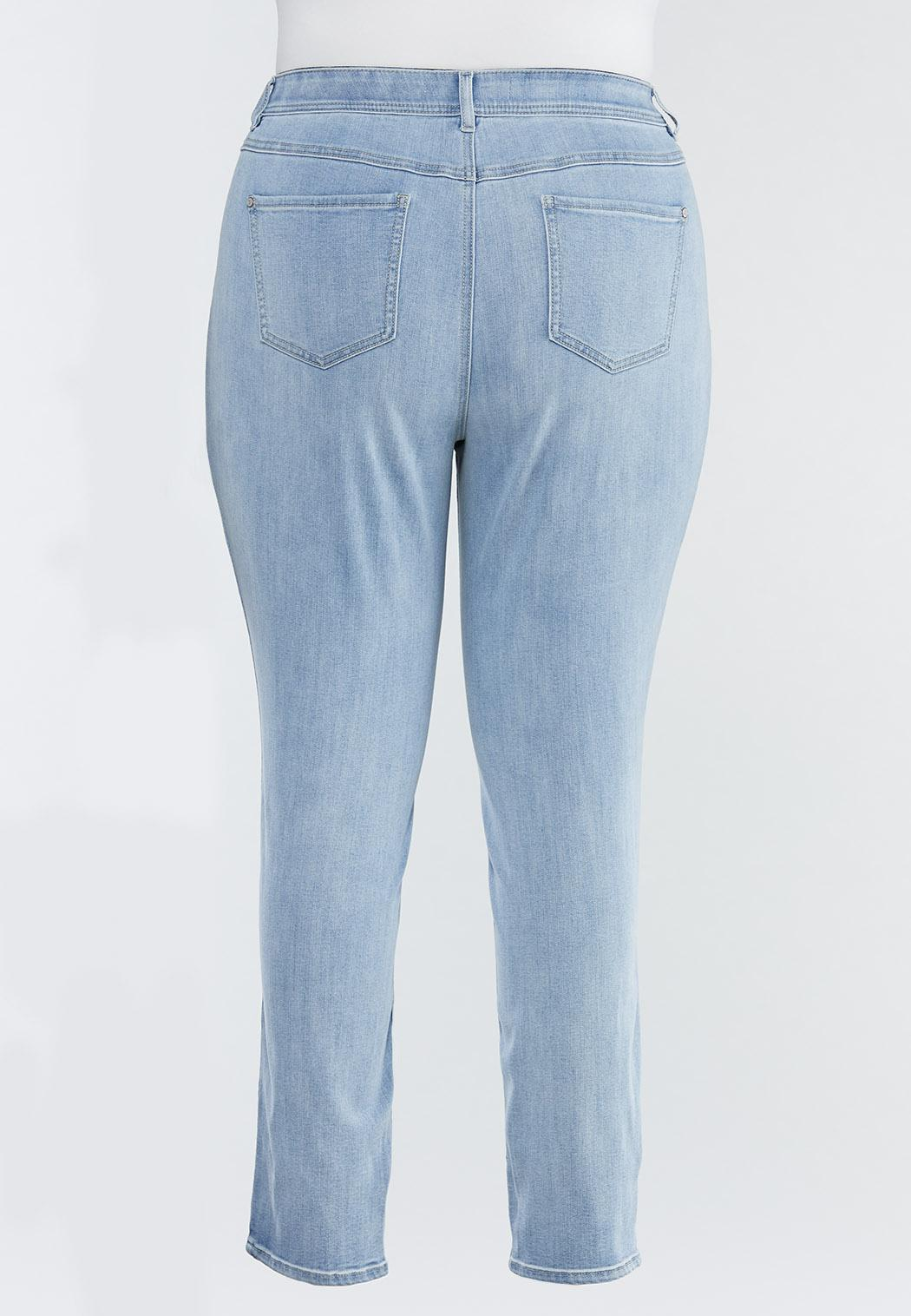 Plus Size Lightwash Skinny Jeans (Item #44492381)