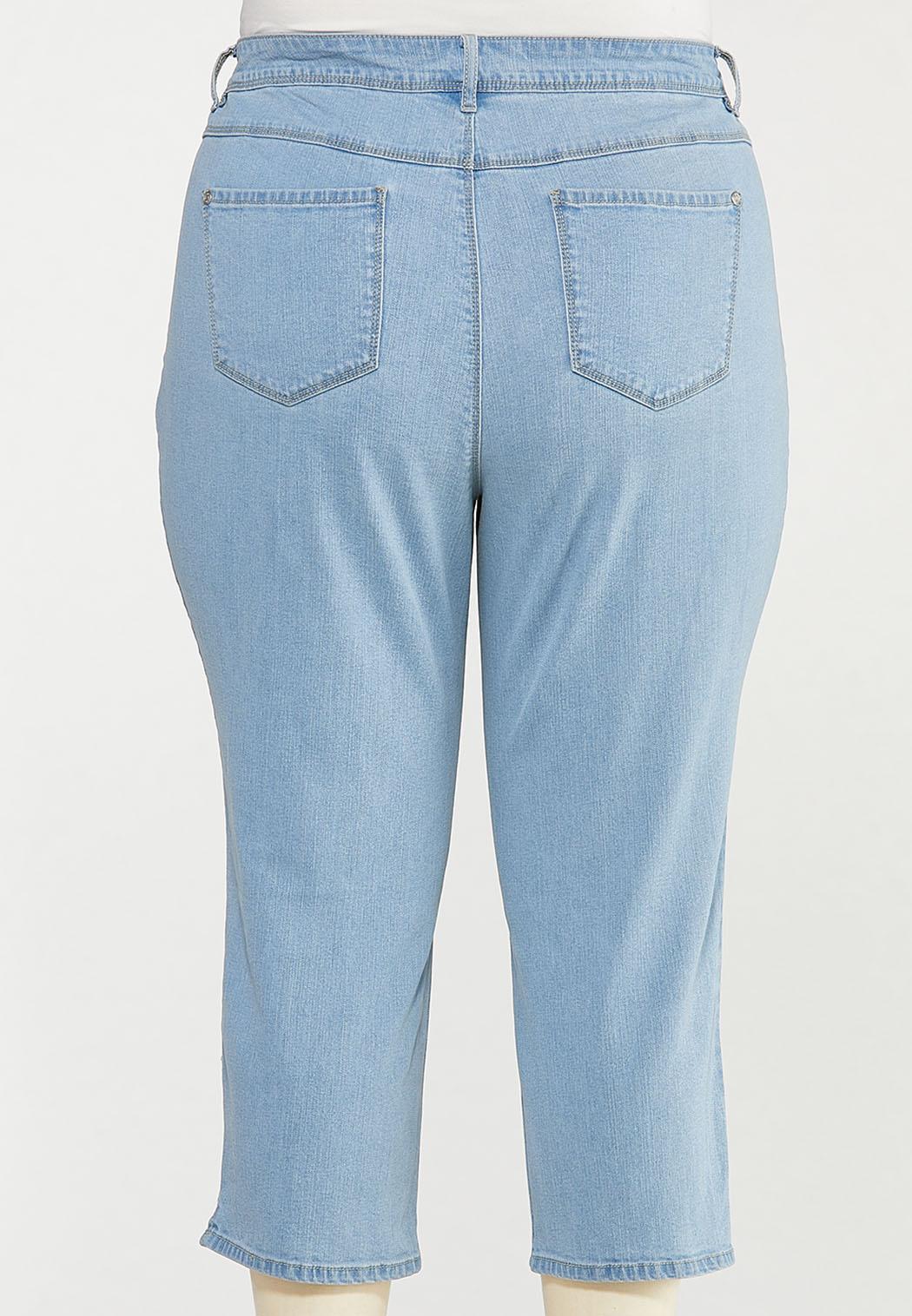 Plus Size Cropped Lightwash Skinny Jeans (Item #44508603)