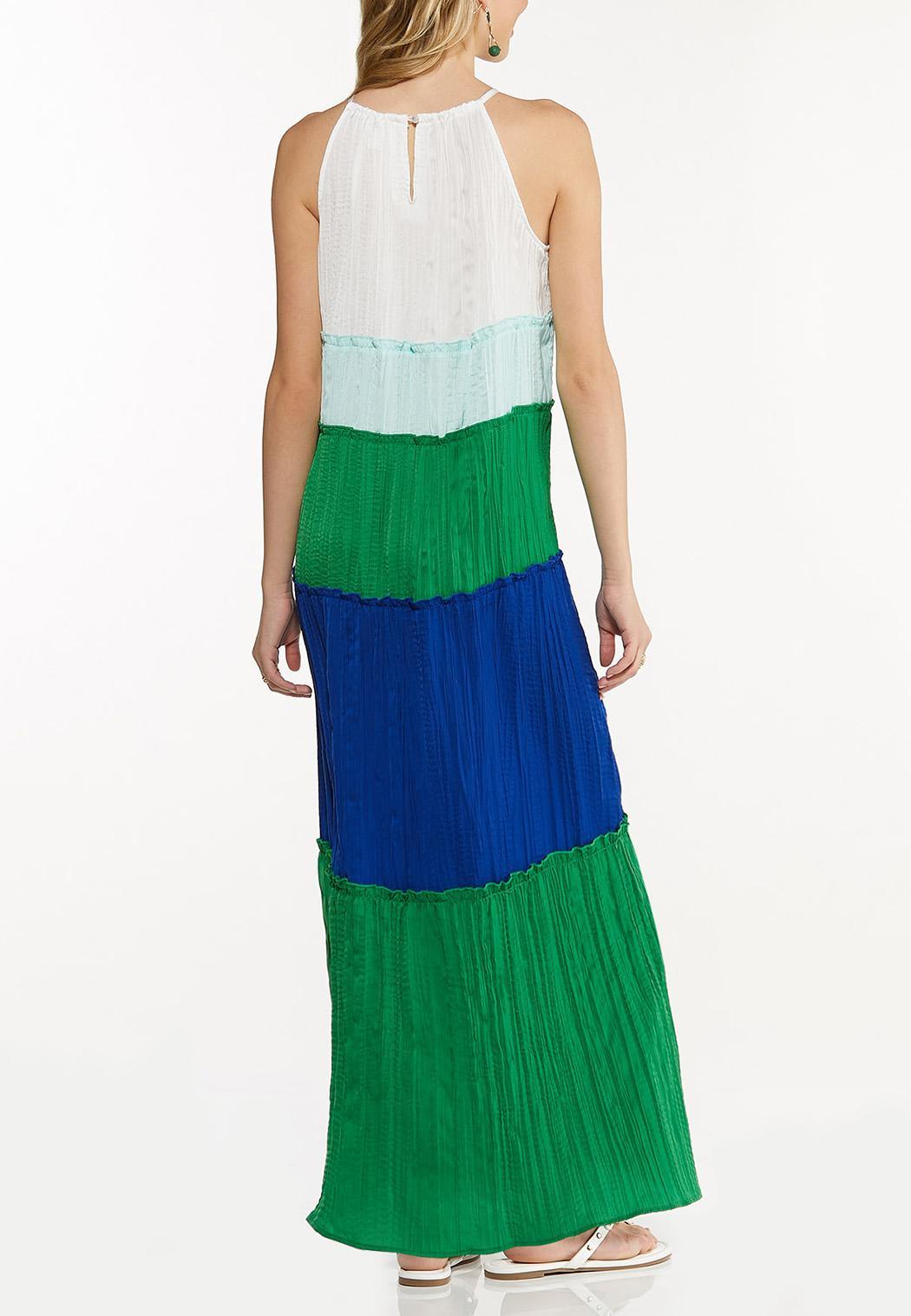 Plus Size Pleated Colorblock Maxi Dress (Item #44525015)