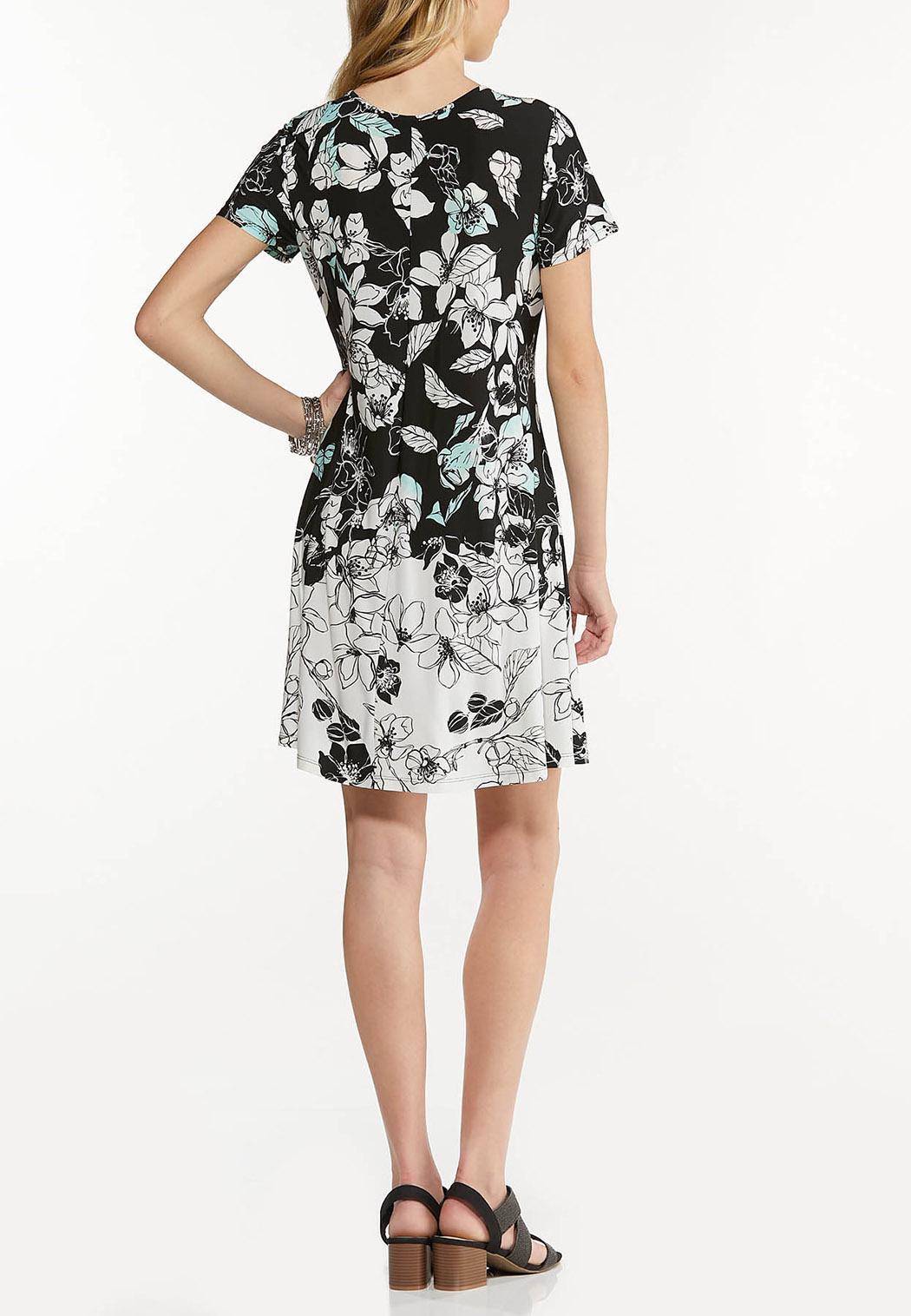 Plus Size Stretchy Floral Swing Dress (Item #44541656)