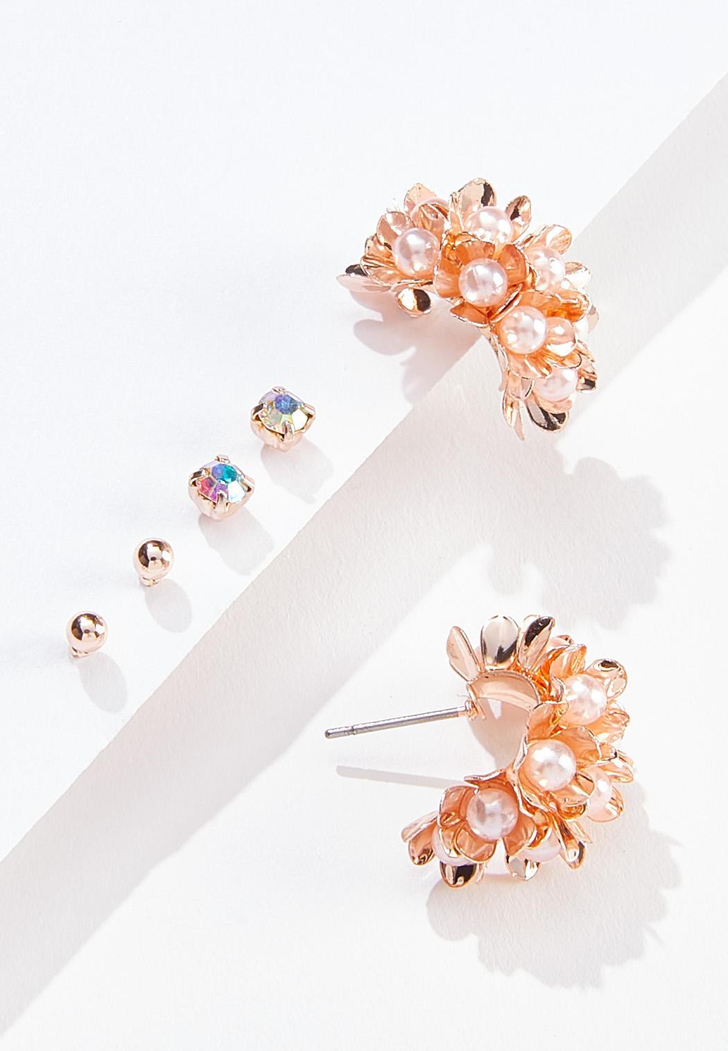 Pearl Burst Earring Set (Item #44552801)