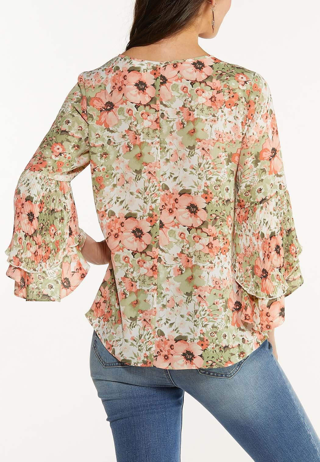 Plus Size Floral Ruffle Sleeve Top (Item #44561572)