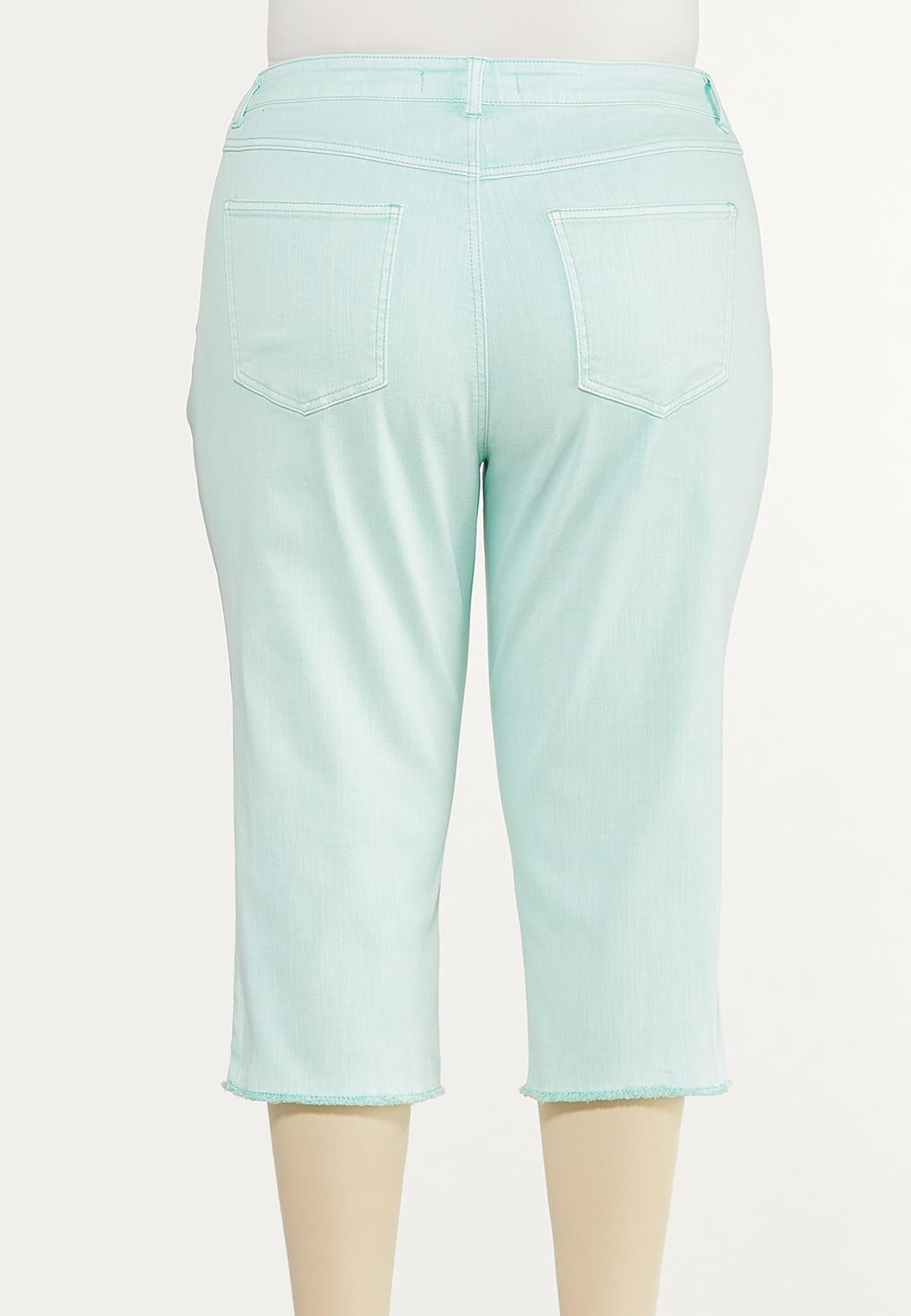 Plus Size Curvy Frayed Cropped Jeans (Item #44575807)