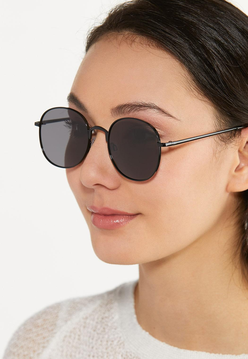 Mod Black Sunglasses (Item #44582446)