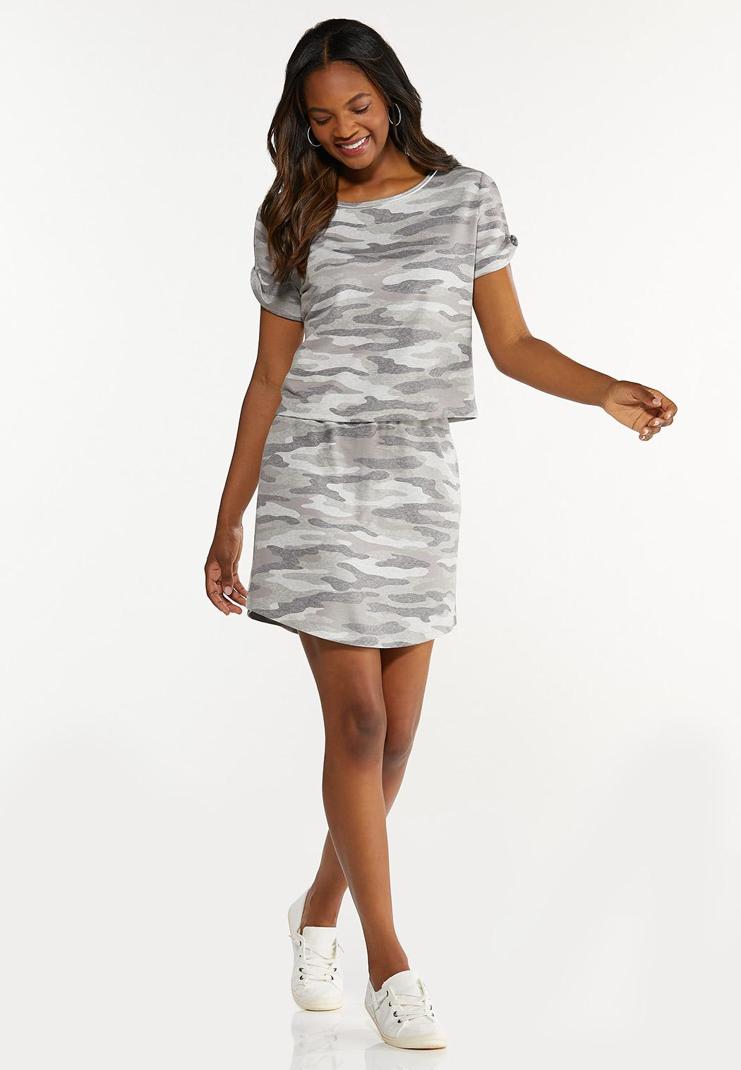 Plus Size Camo Split Sleeve Tee (Item #44607222)