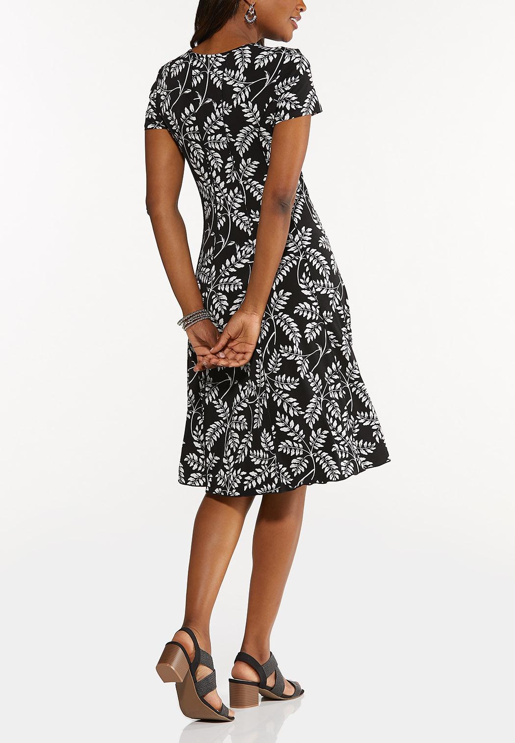 Plus Size Summer Leaf Seamed Dress (Item #44616395)
