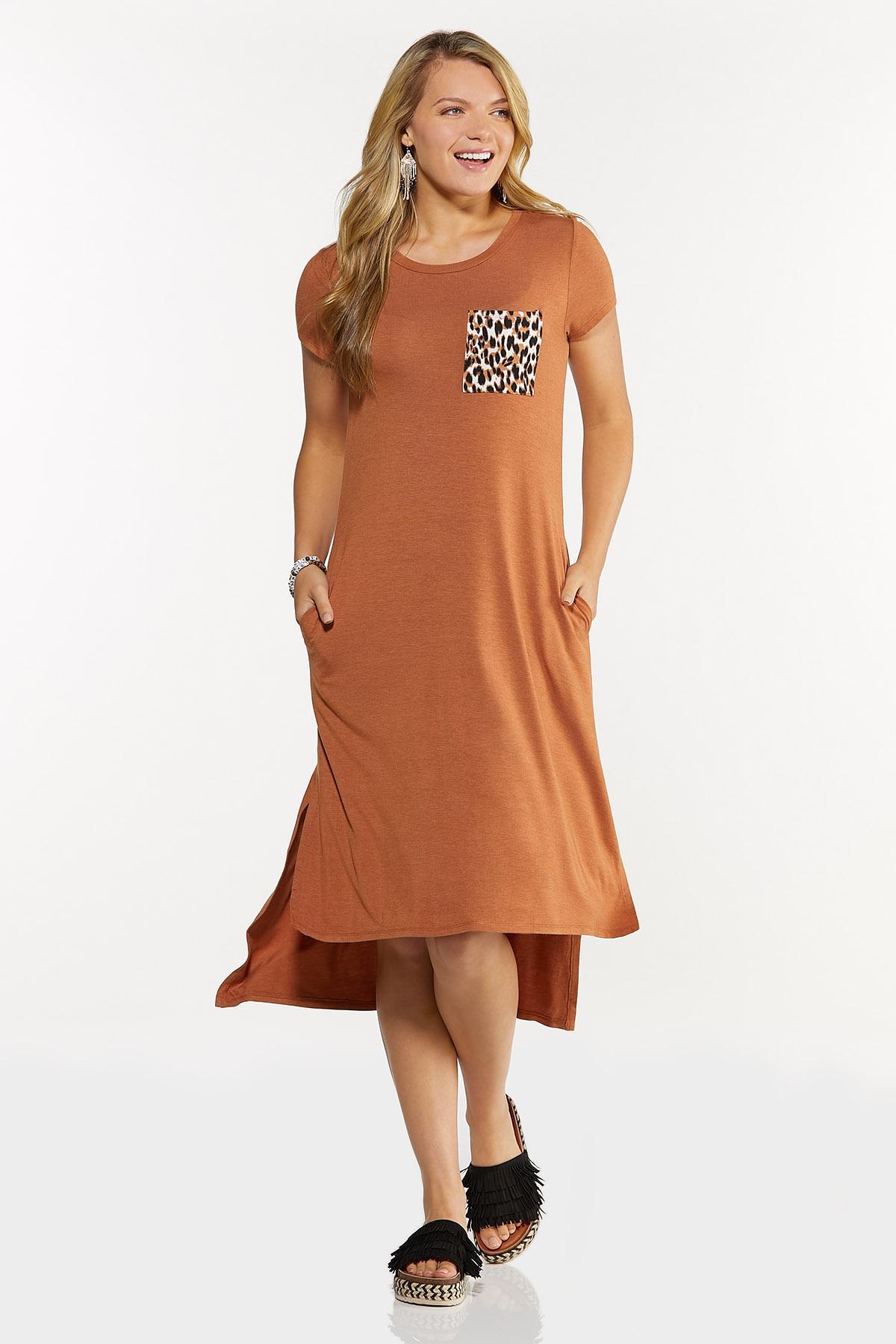 Plus Size Leopard Pocket Tee Midi Dress (Item #44619435)