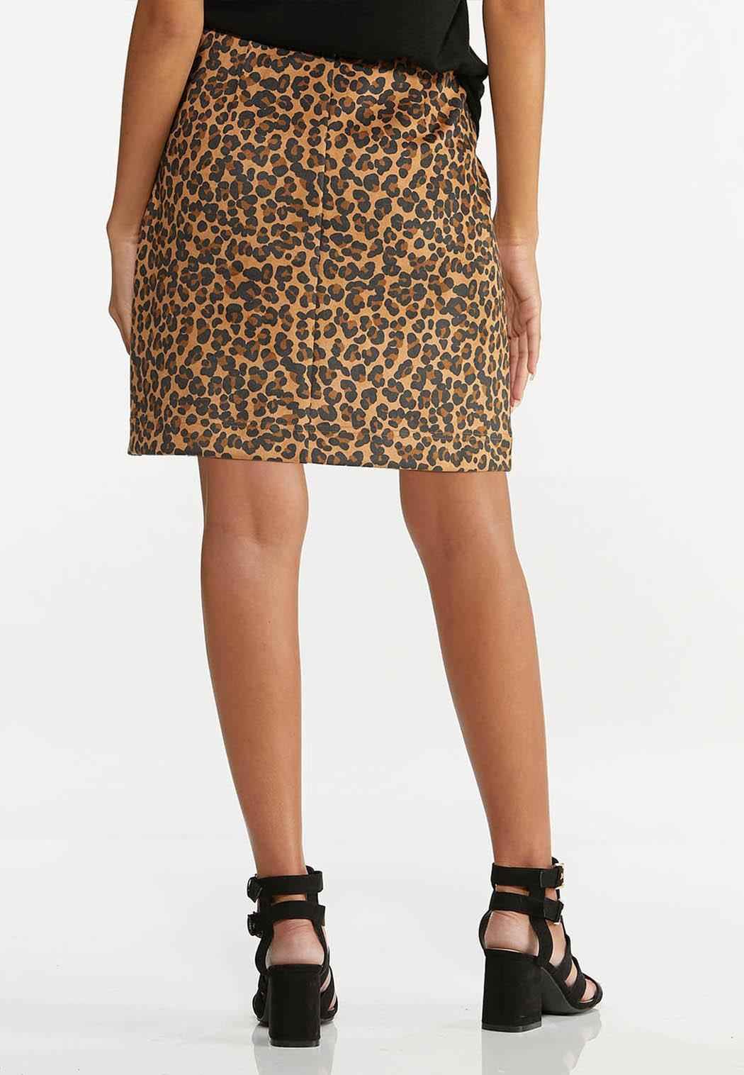Plus Size Leopard Mini Skirt (Item #44620551)